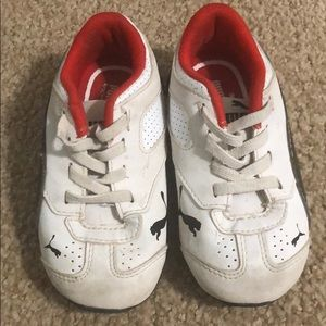 Puma white tennis shoes w/black accents toddler 7C